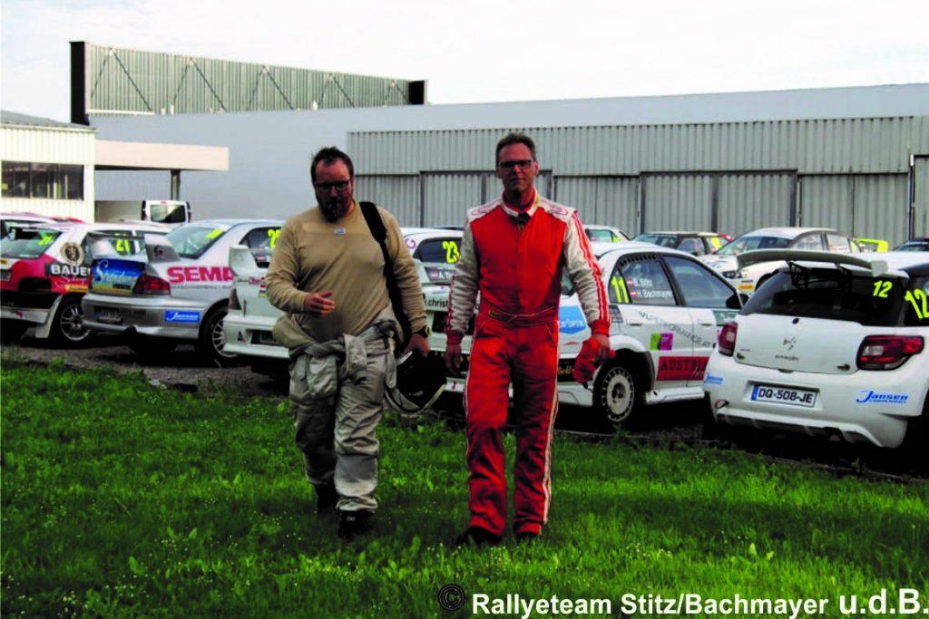 Rallyeteam Bernhard Stitz und Harald Bachmayer auf dem Weg zur Siegerehrung