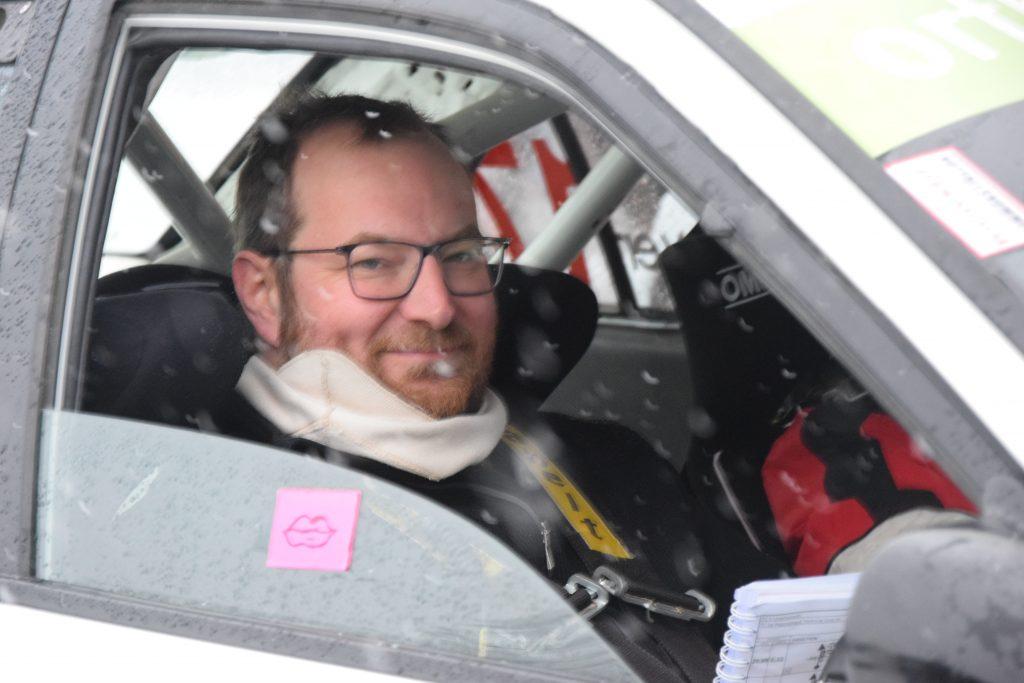 Harald Bachmayer mit Chantal Lippe auf Fenster in Lancer Evo 6 bei Jännerrallye